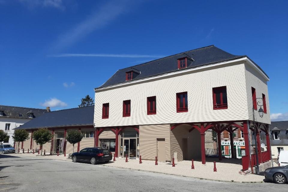 Rénovation de s anciennes halles d'Argueil par Caroline Thibault Architecte